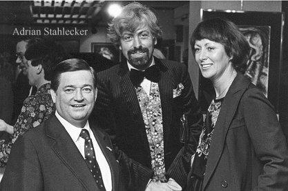 Adrian met zanger Willy Alberti en Olympisch kampioen Joan Haanappel